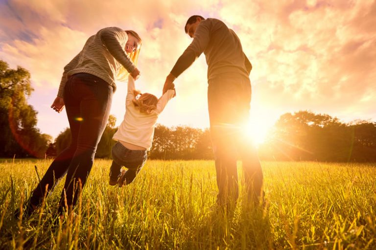 Happy-Family-768x5121.jpg